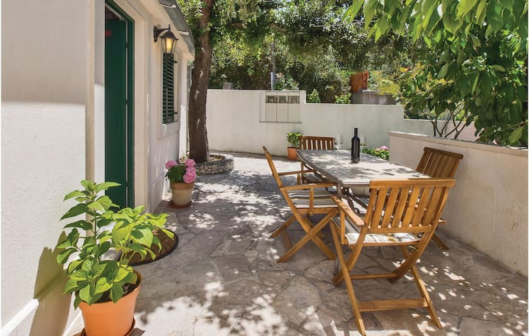 Family home for 4 with terrasse