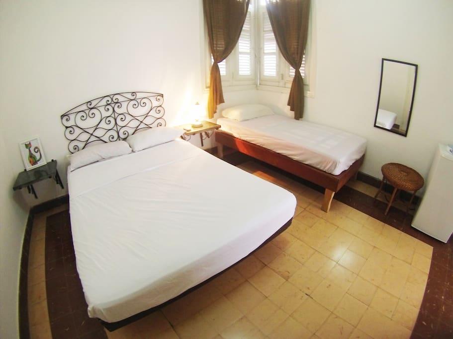 Habitación + cama personal