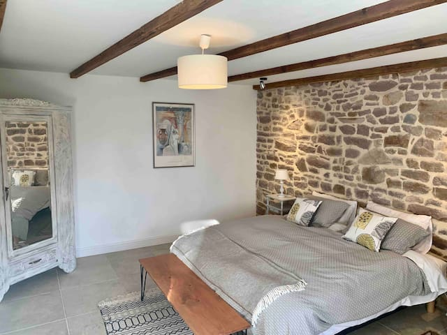 Normandy Barn Conversion in the heart of Gavray