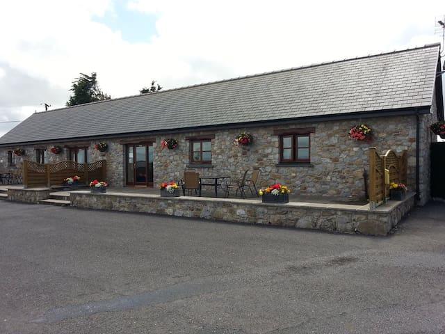 Windmill Farm Barn Cottages, Gower - Llanrhidian - Bungalou