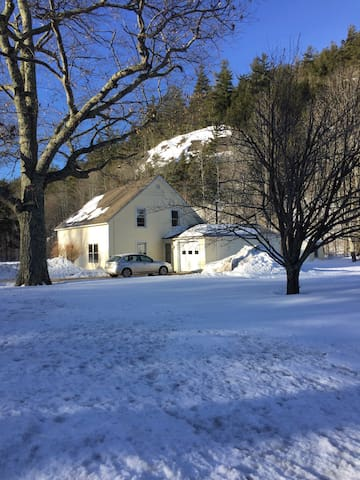 Adirondack Farmhouse - Keene Valley
