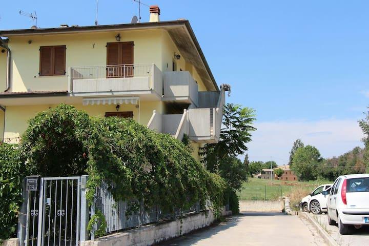Villetta a schiera - Monte Porzio - Apartemen