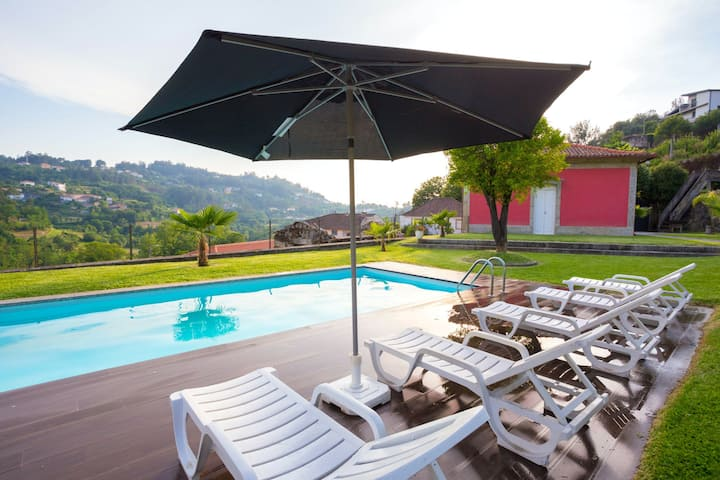 Villa with 3 bedrooms in Sobradelo da Goma, with wonderful mountain view, private pool, enclosed garden - 60 km from the beach