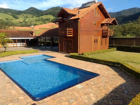 Chalé Casa de Madeira