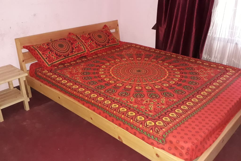 ...king size bed...