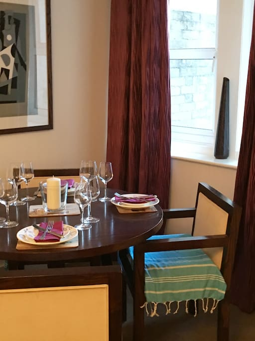 Fully equipped Dining Area seats 4