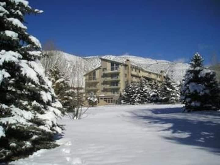 LOVELY STUDIO IN AVON, NEAR VAIL AND BEAVER CREEK