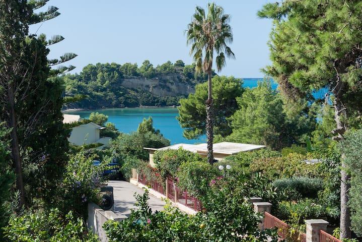 Lassi Getaway Villa Daphne - Argostolion