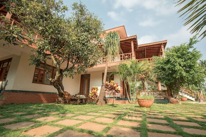 Aalaya by Happy Retreats - Weddings-Family Getaway