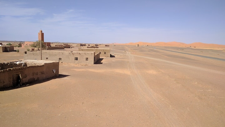 Khamlia Desert Bed & Breakfast