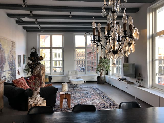 CanalPenthouse with HUGE KITCHEN vieuwRoyal Palace