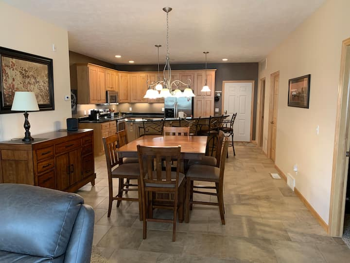 Beautiful Okoboji condo at Bridges Bay