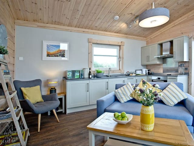 Broadpath - Great Field Lodges (BCGFBROAD)