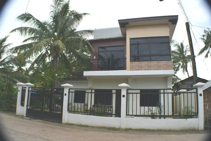 DJL Summer House -Bantayan Island (Entire House)