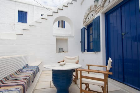 TINOS PIRGOS  TRADITIONAL HOUSE - House