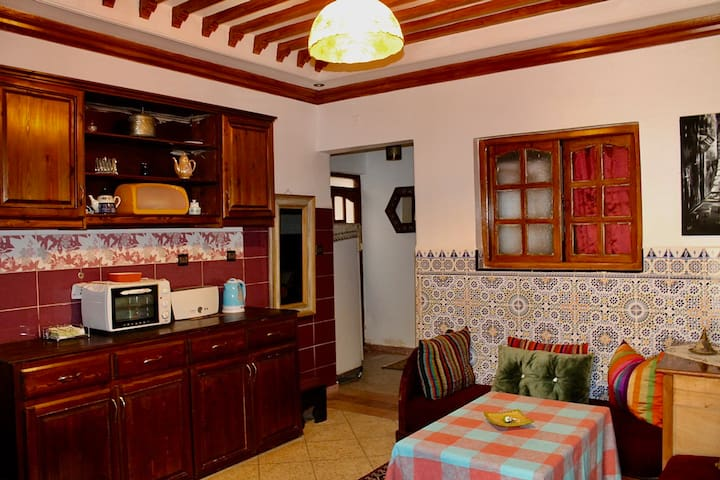 Cosy Flat 2 Bedrooms 2 Living rooms, 5min to Beach