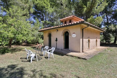cottage Oleandri in campagna a Cecina