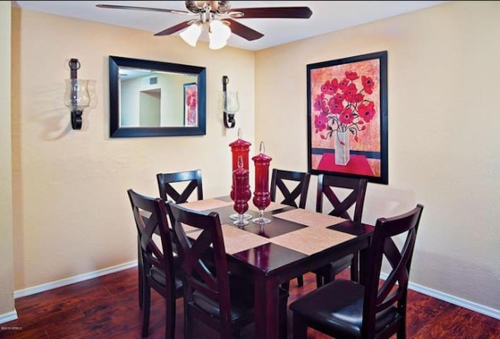 Open Dining room with seatings for 6