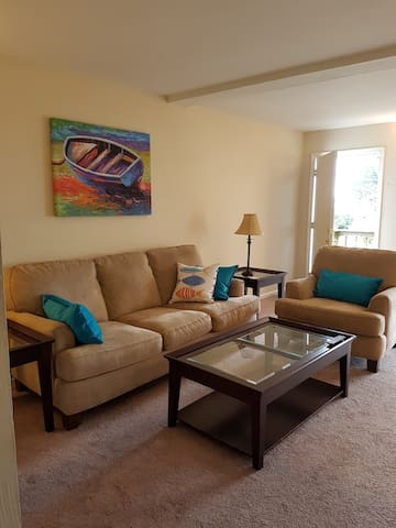 Furnished, Overlooks Ches Bay.  Wifi, washer/dryer - Norfolk - Apartamento