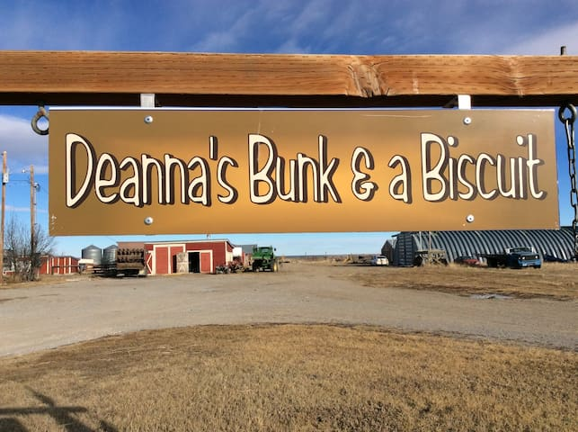 Deanna's Bunk & a Biscuit