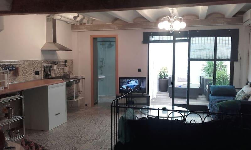 Loft near beach - València - House