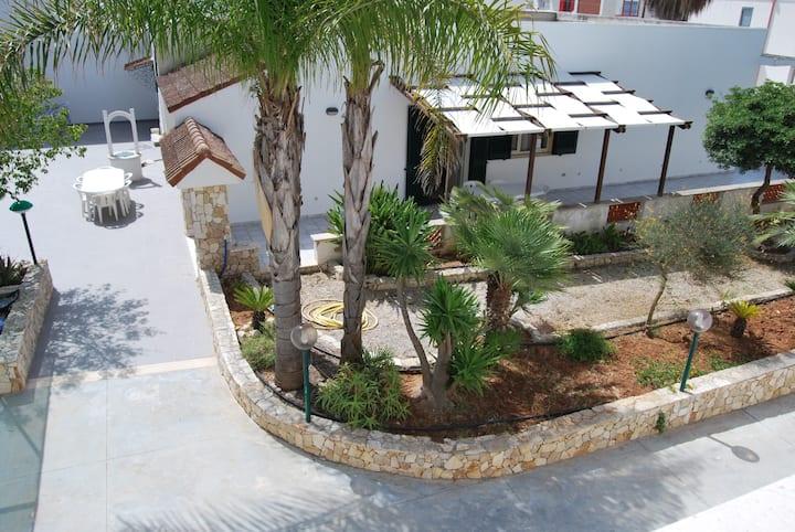Villa a Torre San Giovanni, Salento, Puglia, Pazze