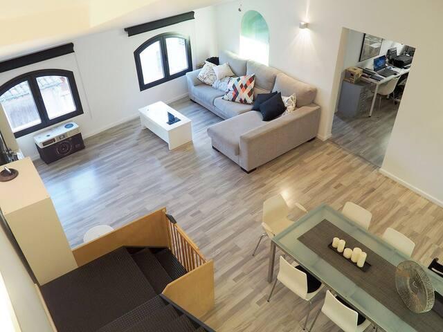 Loft amb estil ben situat - Montbrió del Camp - Çatı Katı