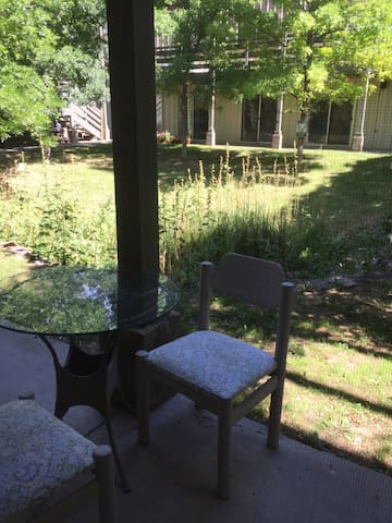 Quiet courtyard. Enjoy coffee and meals here