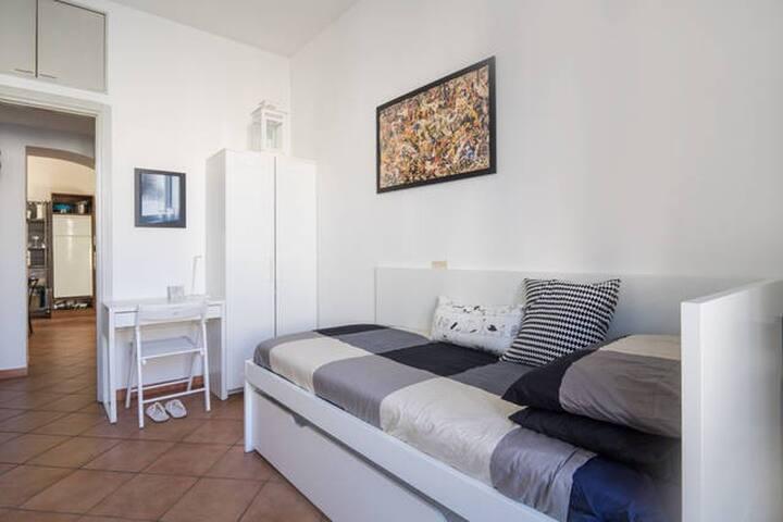 The Lantern Room*// Bocconi Area - Milan - Appartement