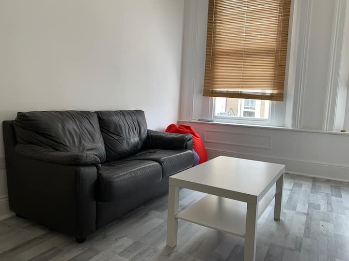Cosy Flat, Perfect for Travellers, SW5