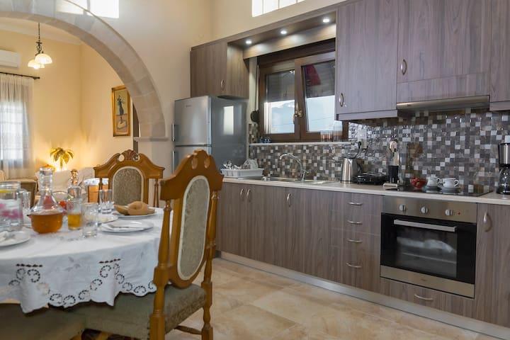 Liana's House... Vrysses Chania!!!!