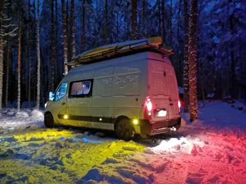 Hiking van with your own personal roof terrace