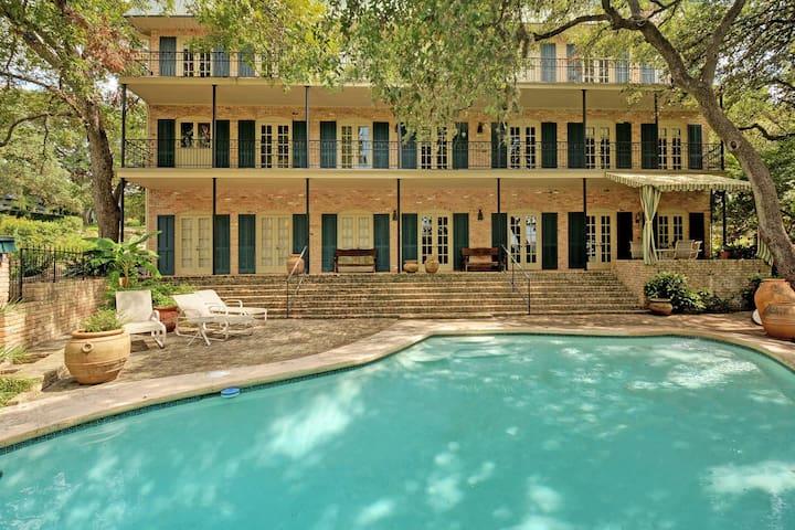Enchanting Lake Austin House