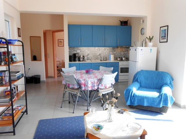 Nice apartment near the beach & Airport