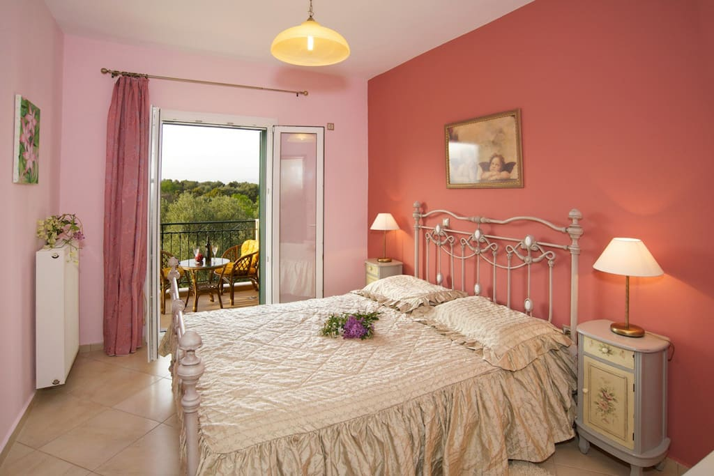 VIEW OF OUR SUPERB AIR CONDITIONED BEDROOM WITH DOUBLE BED