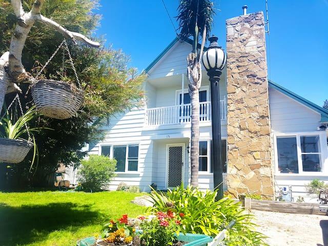 Jetty Beach Holiday House