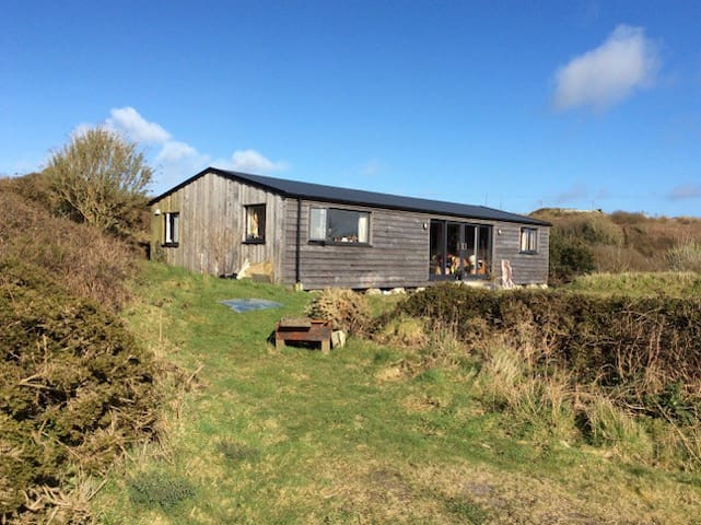 Wooden house with views over Poldark country - Saint Just