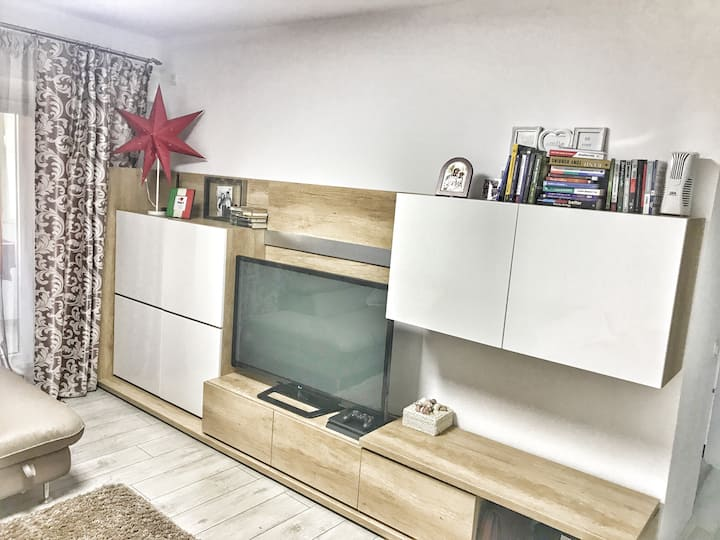 Room in luxurious home min. from Palas Mall,Copou