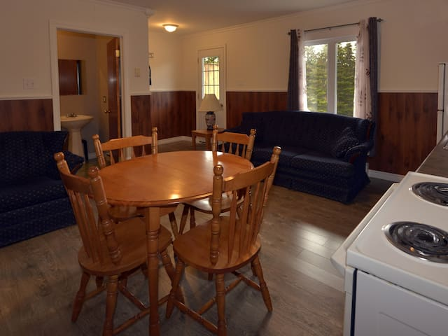 Fully Furnished Kitchen with your own Bar- B-Que