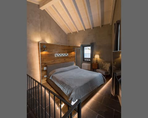 ★Stylish & Cozy★ | ♕King Bed |Porch |Garden