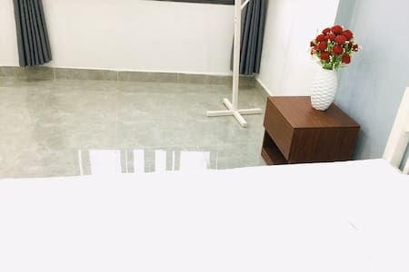 Minimalist lifestyle house - room 2