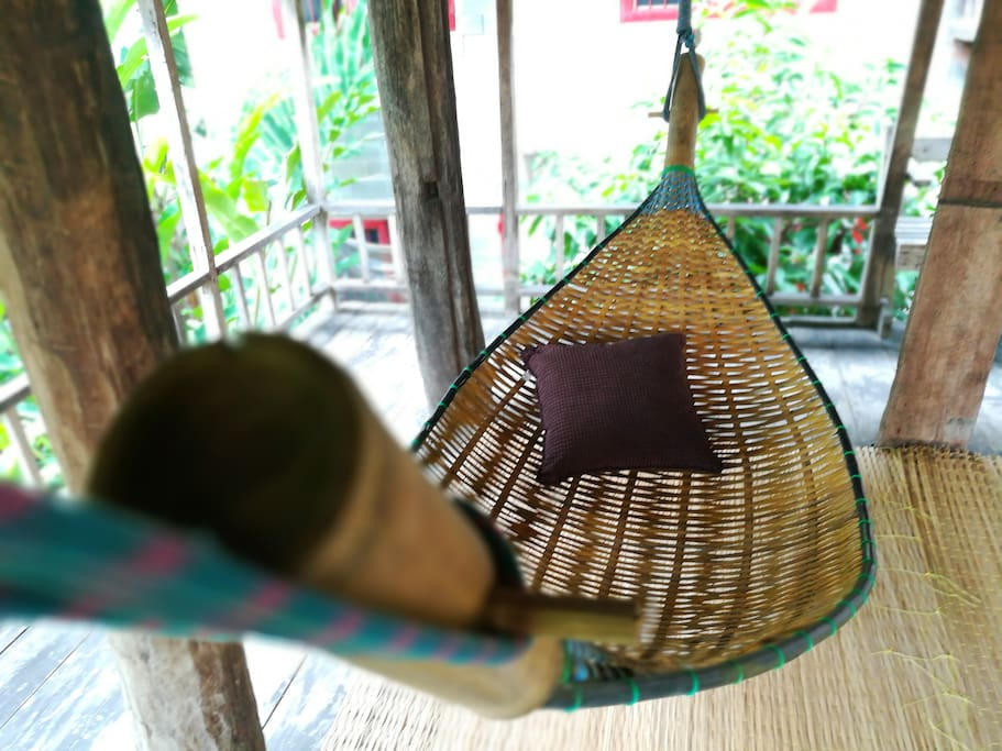 """""""Every morning you can lay in the hammock of the barn to enjoy the morning mist of the mountain afar."""" by 胡"""