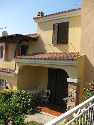 Villetta con stupenda vista mare 4p - Agrustos - Villa