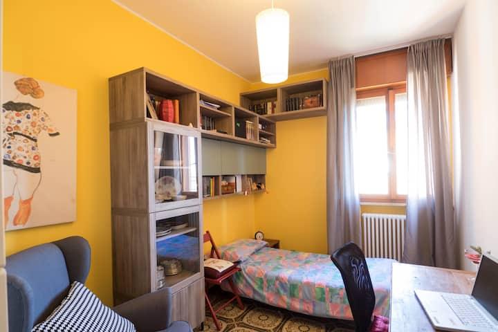 piccola stanza in appartamento condiviso