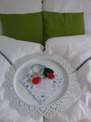 schönes Zimmer mit eigenem Bad u.WC inkl.Frühstück