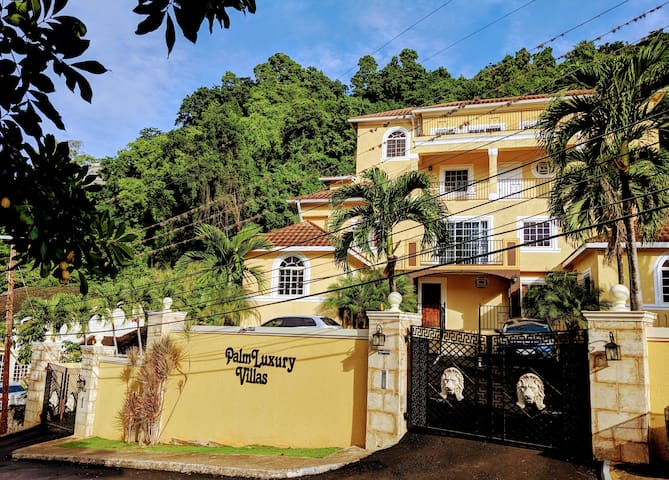One Bedroom in Safe Exclusive Red Hills Location