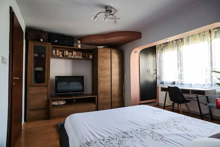 10% Discount ° Quite room