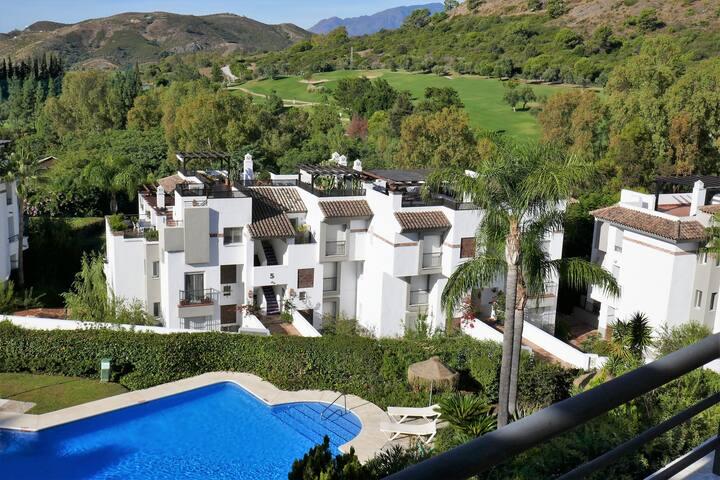 Penthouse sur golf proche Marbella