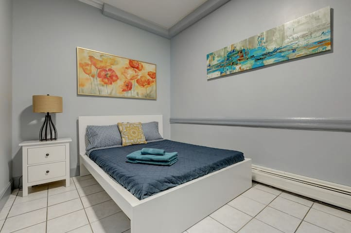 Renovated Private room near NYC/WIFI