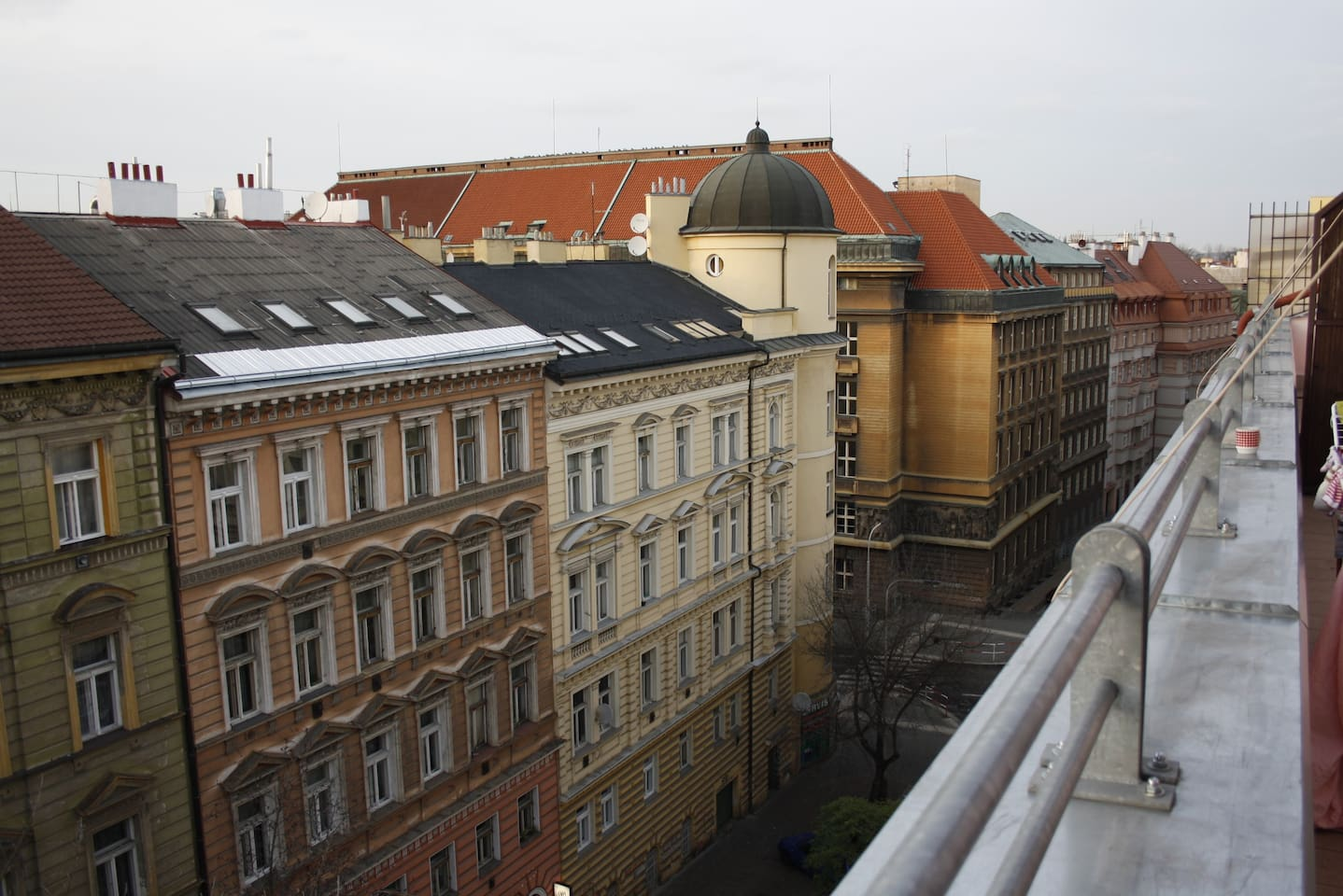 TERRACE - There is a big terrace with a really nice view from the 5th floor available for both rooms. You can use a bathroom, separated WC and spacious - fully equiped - kitchen with big table. There are also 3 bikes for your unlimited move around the city.